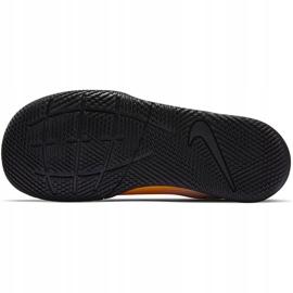 Chuteiras Nike Mercurial Vapor 13 Club Ic PS (V) Junior AT8170 801 branco preto laranja 5