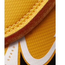 Chuteiras Nike Mercurial Vapor 13 Club Ic PS (V) Junior AT8170 801 branco preto laranja 3