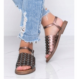 Sandálias metálicas marrons com tachas Luxy marrom 2