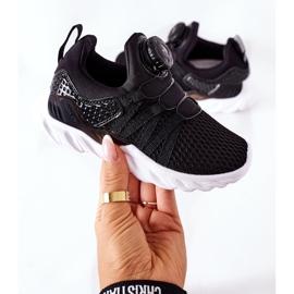 Calçado desportivo infantil com botão ABCKIDS preto 6