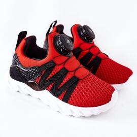 Calçados infantis esportivos com botão vermelho ABCKIDS preto 2